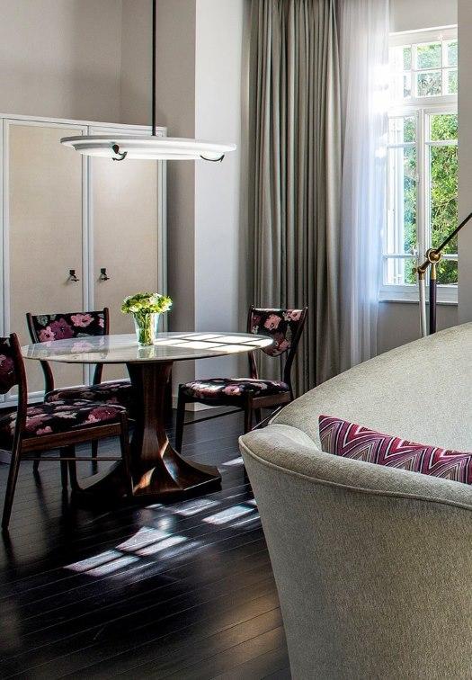 THE NORMAN HOTEL CORNER SUITE